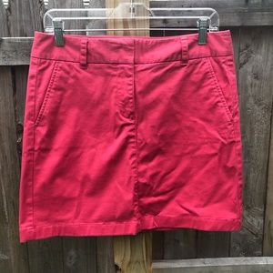Vineyard Vines chino mini skirt. Size 6